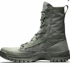 Sage Green Nike Boots, new without tags :)